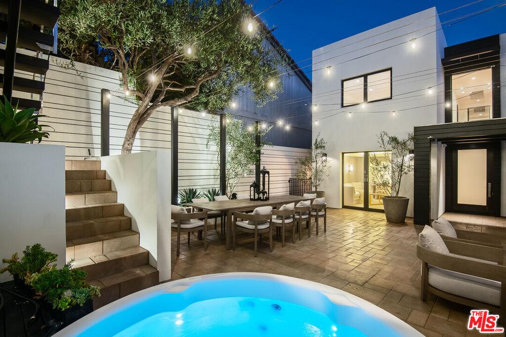 למכירה בית של פינק מליבו קליפורניה