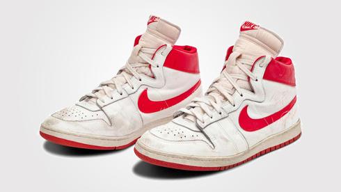 ישברו שיא? הנעליים של מייקל ג'ורדן בעונת הרוקי מוצעות למכירה