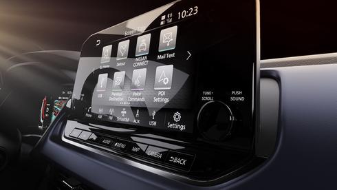 כולם רוצים מסך גדול ברכב אבל לא משתמשים בו