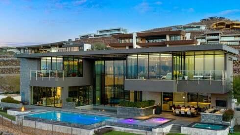 ג'ין סימונס, סולן להקת קיס, מציע למכירה את הבית בלאס וגאס - בכ-15 מיליון דולר