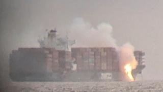 ספינת צים קינגסטון עולה באש מול חופי קנדה, רויטרס